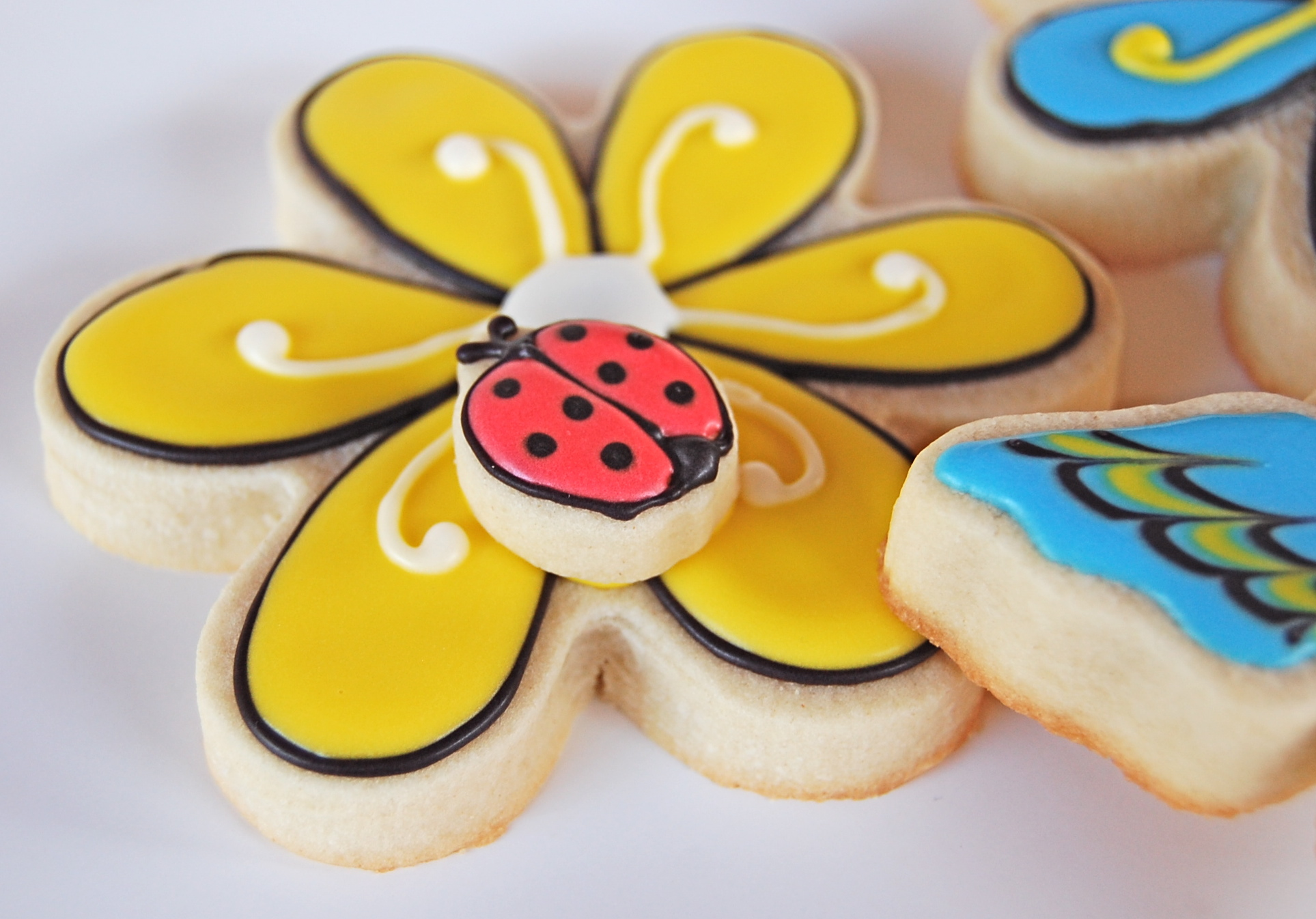 Sugar Cookie Flower with Sugar Cookie Lady Bug